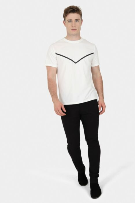 HisColumn Design Off-White Stretchy Tee With 'V' Print